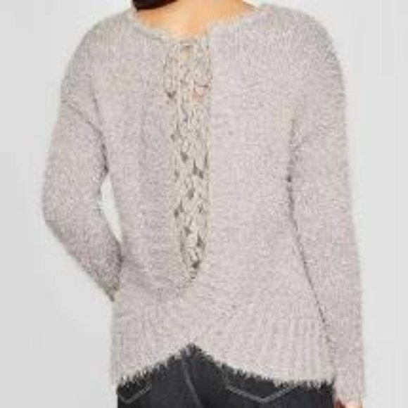 Knox Rose V-Neck Pullover Sweater With Back Detail